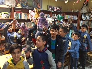 Twinbears uitdeling in Iran